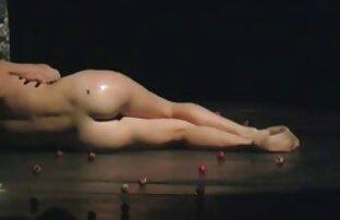 Caldo nero ragazza cums e caress porno italianigratis lei tette