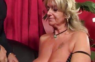 Abbronzato ragazza indossare una cuffia per la doccia gola profonda film gratis