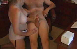 Ragazza si masturba gratis film porno italiani con dildo in webcam