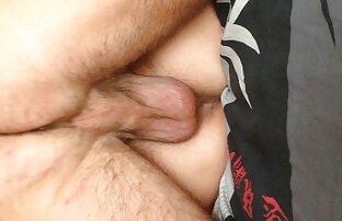 Una vecchia cagna guida un dildo pornazzi film nella sua L.