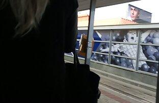 Nastya film adulti streaming gioca con un dildo di nylon