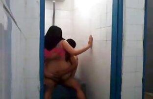 Dolce bruna video di film porno gratis si masturba in cam
