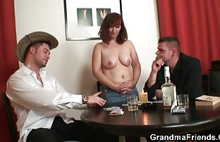 Lyusenka con un grande culo sex vidio porno gratis sta giocando sotto la doccia